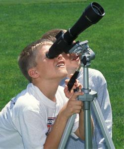 kids_with_telescope.jpg (250×301)